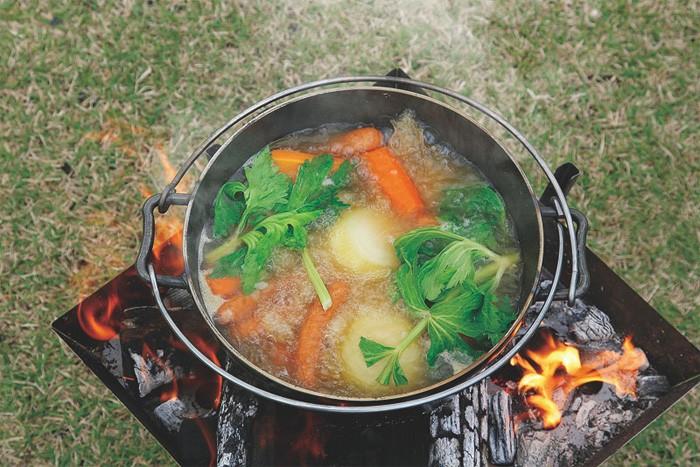 ユニフレーム ダッチオーブン料理