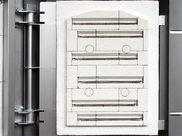 中型電気窯 DFA-06 前扉を開けて見た画像です