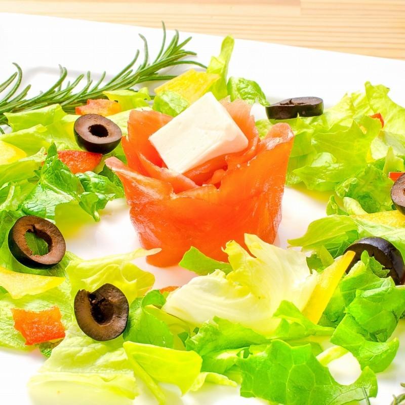 スモークサーモン サラダ