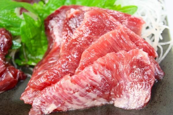まぐろほほ肉刺身盛りアップ1