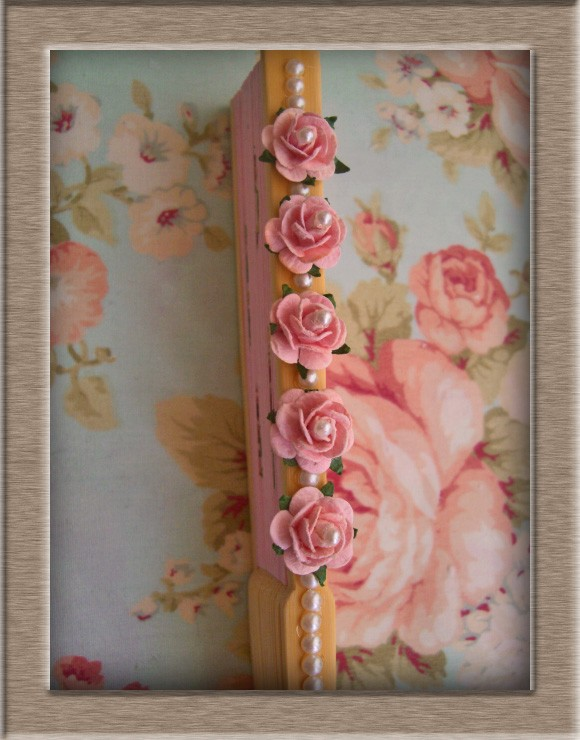 薔薇針金の御活用例。作品展示会でございます。