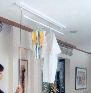 梅雨や花粉シーズンに最適!部屋干しできる昇降式室内物干し金物(ホシ姫サマ同等)