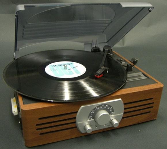 木目調レコードプレーヤー(ラジオ・カセット付)