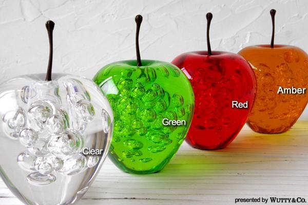 アクリル製のリンゴの置物