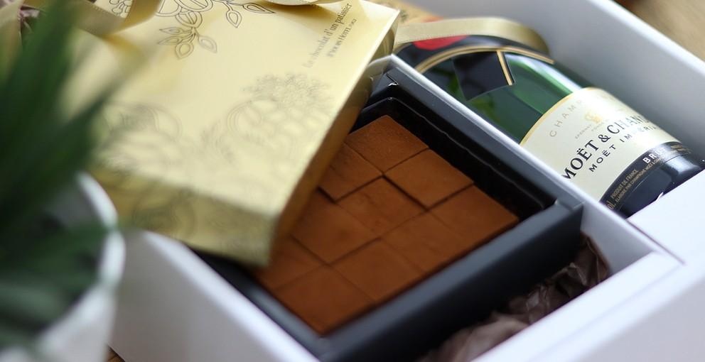 モエシャンドン200mlとシャンパン生チョコレート