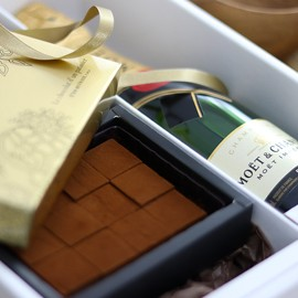 モエ・エ・シャンドンとシャンパン生チョコレート