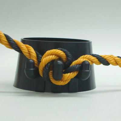 カラーコーン用ロープ留めちゃった