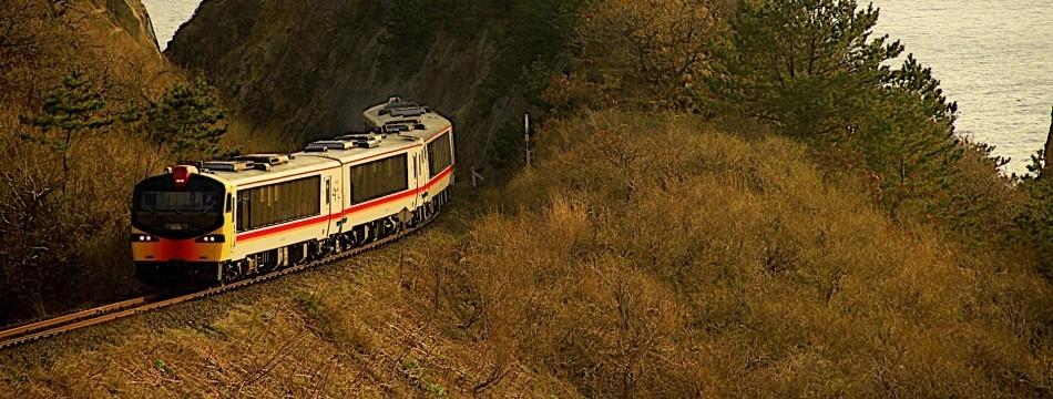 素敵な風景と列車の写真