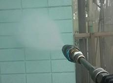 外壁への高圧水洗浄